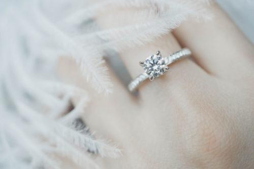 婚約指輪の価格はダイヤモンドで決まる!