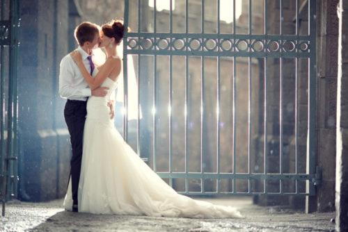 ドレス前撮りのおしゃれなアイデア!おすすめポーズや構図、人気の小物も紹介!