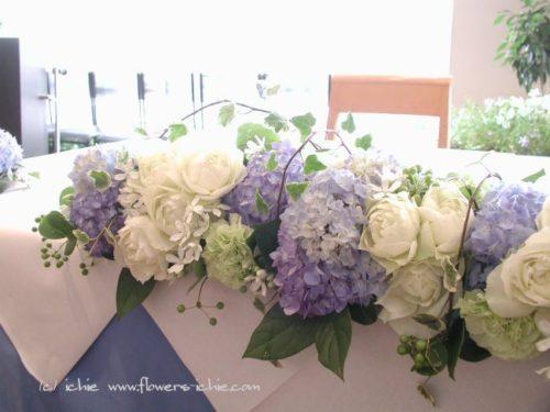 アジサイを使ったメインテーブル装花