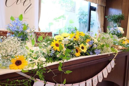 ひまわりを使ったメインテーブル装花