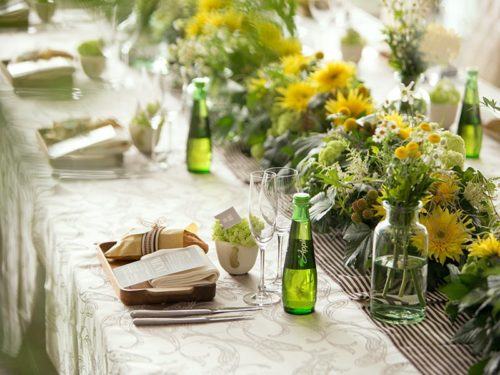 ひまわりを使ったテーブル装花