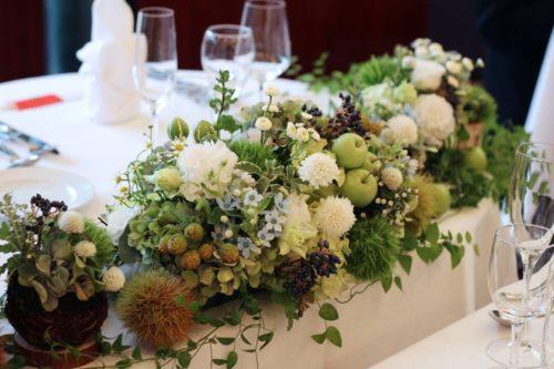 実物を使ったメインテーブル装花
