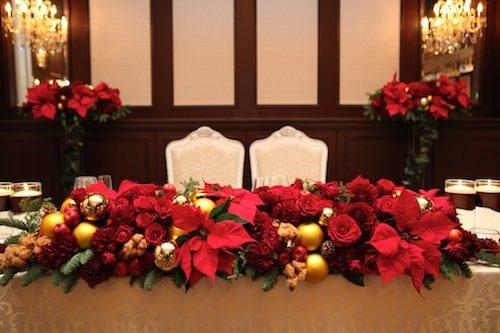 ポインセチアを使ったメインテーブル装花