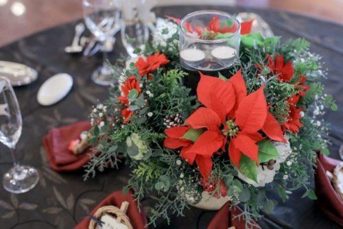 ポインセチアを使ったテーブル装花