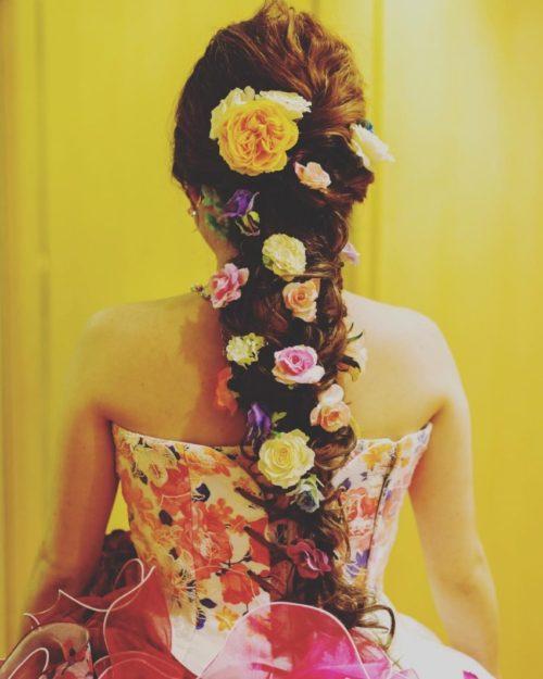 バラを使ったヘアアレンジ