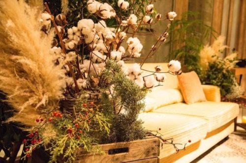 コットンを使ったメインテーブル装花