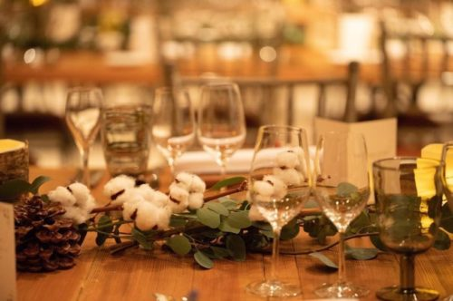 コットンを使ったテーブル装花