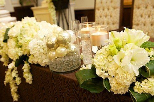 アマリリスを使ったメインテーブル装花
