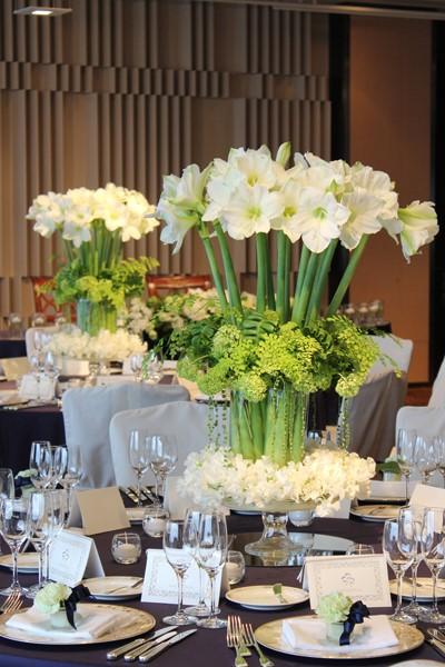 アマリリスを使ったテーブル装花