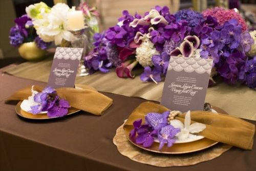 ラン(モカラ、デンファレ、パンダ)を使ったテーブル装花