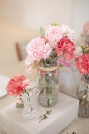 カーネーション:フリルたっぷりの花姿がとってもキュート!母の日以外も使える可愛いお花