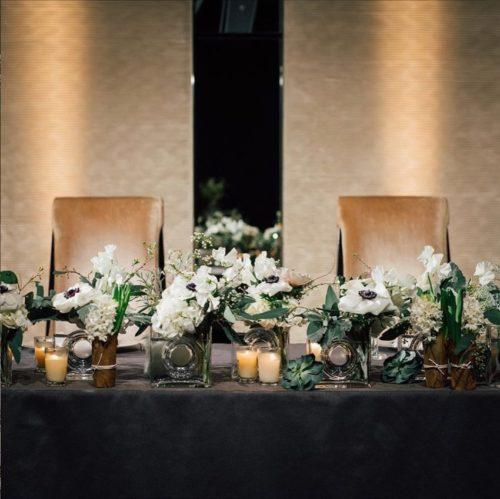 アネモネを使ったメインテーブル装花