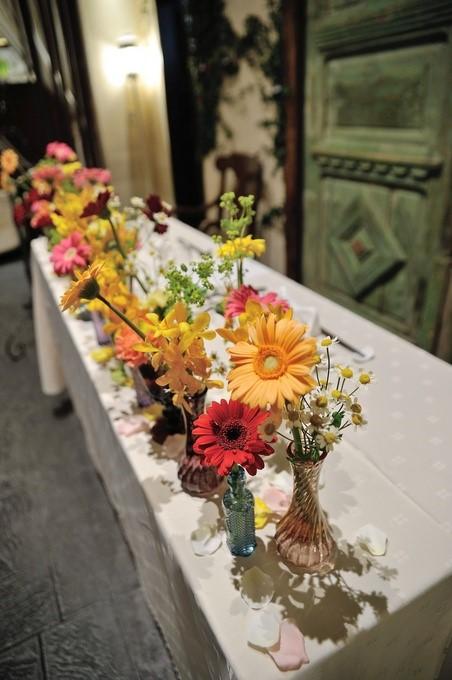 ガーベラのメインテーブル装花