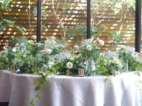 トルコキキョウを使ったメインテーブル装花