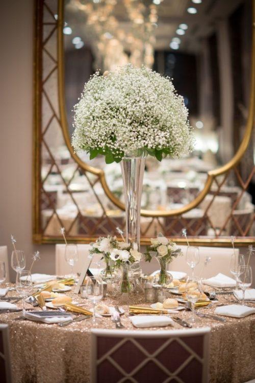 かすみ草を使ったテーブル装花